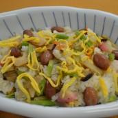 Kintokimameiri kakimaze (bara sushi)