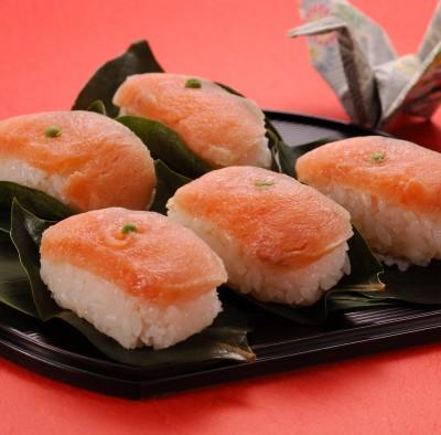 Kakinoha sushi