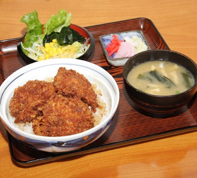 The sauce cutlet bowl (Gunma prefecture)